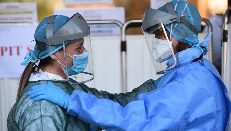 Covid-19: Itālijā no slimības miruši 94 ārsti un 26 māsas