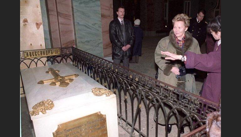 В Санкт-Петербурге вскрыли гробницу российского императора Александра III