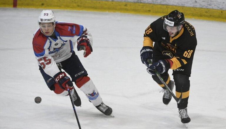 Rīgas 'Dinamo' līdzi uz Somiju devies OHL labākais jaunais hokejists