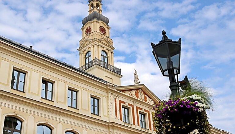 Desmit politiķi, kas cielē uz Rīgas mēra krēslu