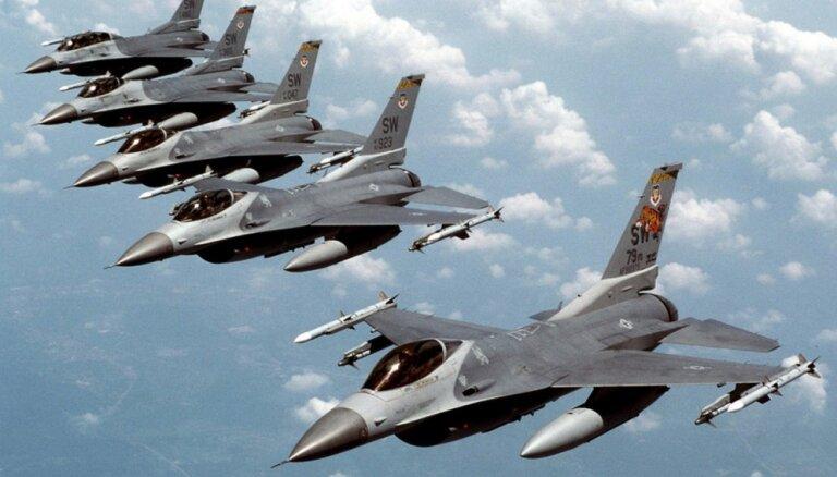 Премьер Литвы: маневры военных самолетов над Балтикой могут закончиться бедой