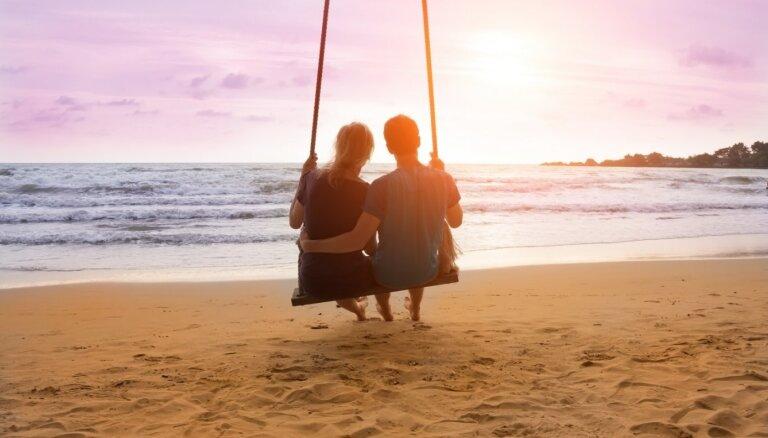 Kā zināt, ka ir īstais laiks partnerim teikt maģiskos vārdus 'es tevi mīlu'