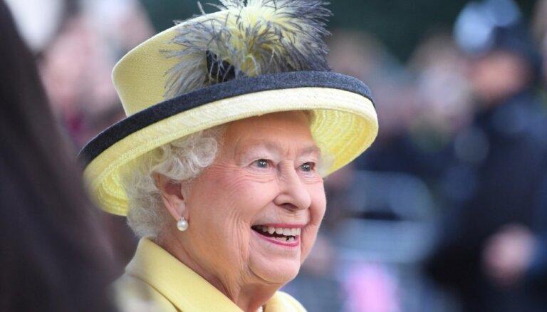 1981. gadā Jaunzēlandē jaunietis mēģinājis nogalināt karalieni Elizabeti II