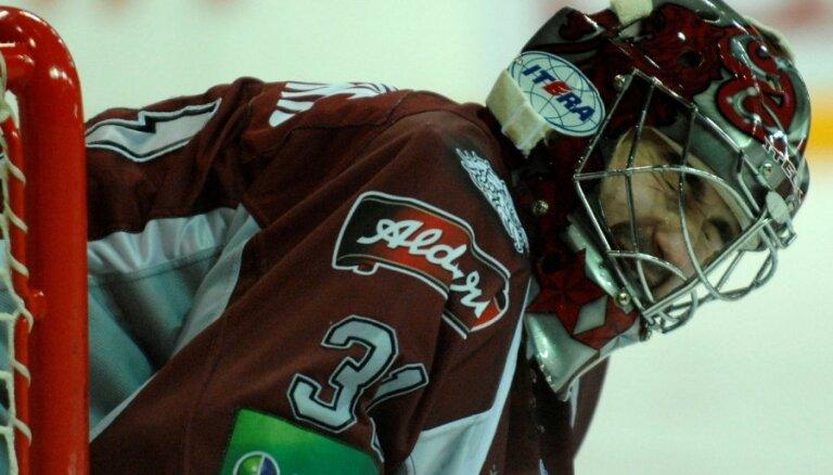 Neoficiālos Latvijas hokeja izlases treniņus kopīgi ar Rīgas 'Dinamo' sāk Masaļskis un Muštukovs
