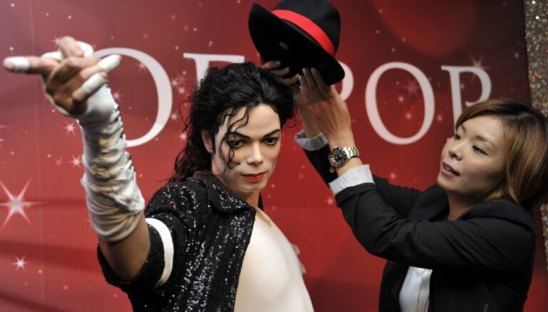 Tiso muzejos paliks Džeksona statujas; Vestendā turpinās skanēt mūzikls 'Thriller – Live'