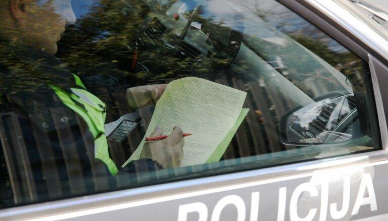 Ceturtdien Latvijā reģistrēts 61 ceļu satiksmes negadījums