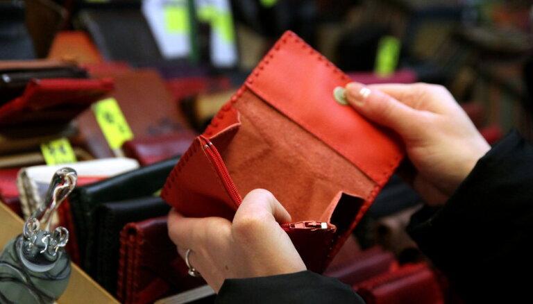 Ātro kredītu nozare strauji pieaug, brīdina PTAC