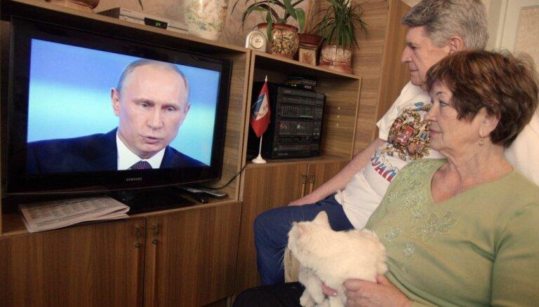Mediju uzraugs Latvijā aizliedz Kremļa ietekmīgāko propagandas kanālu