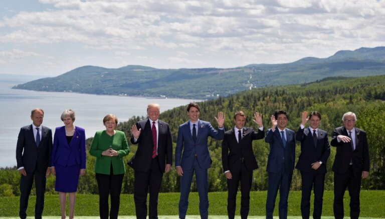 """Страны G7 призвали Россию прекратить """"подрывать демократию"""""""
