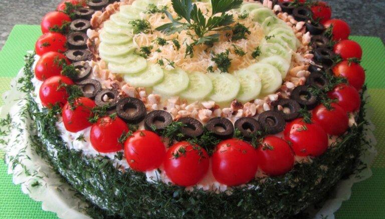 Foto recepte: Laša sāļā torte bez miltiem, sviesta un olām
