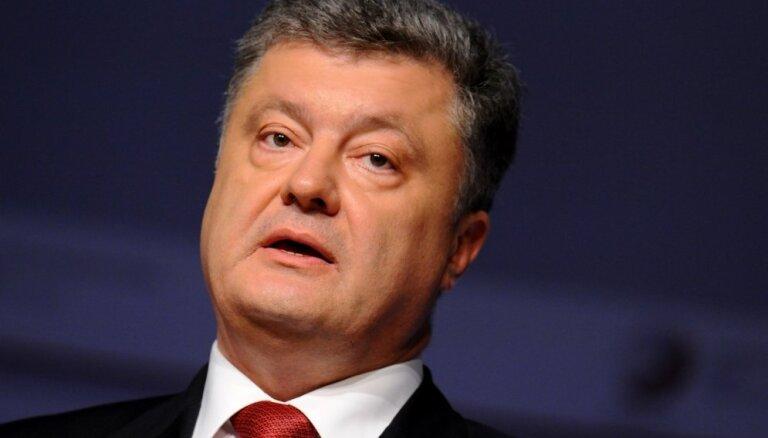 Porošenko atlaidis korupcijas skandālā ierauto sabiedroto