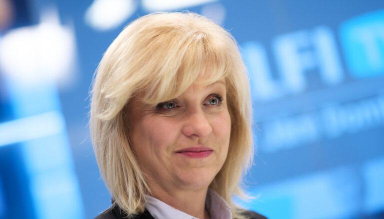Политик Регина Лочмеле-Лунева разводится с третьим супругом