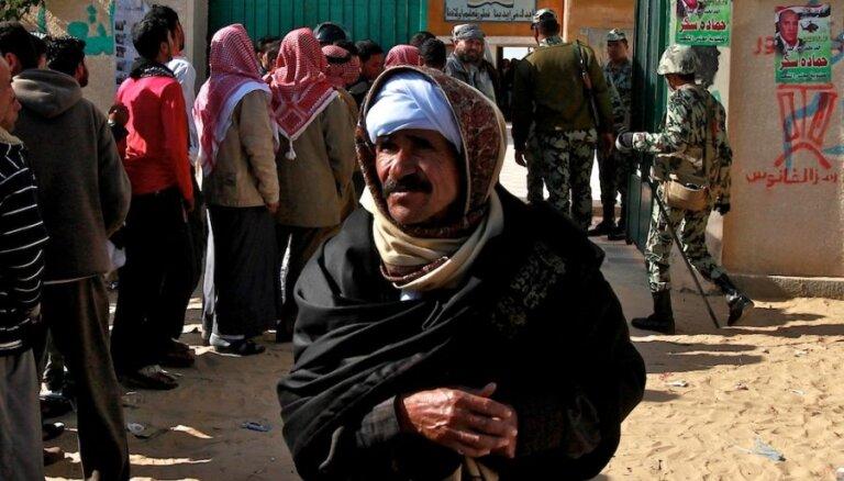 Ēģiptes beduīni Sinaja pussalā sagūsta 25 strādniekus no Ķīnas