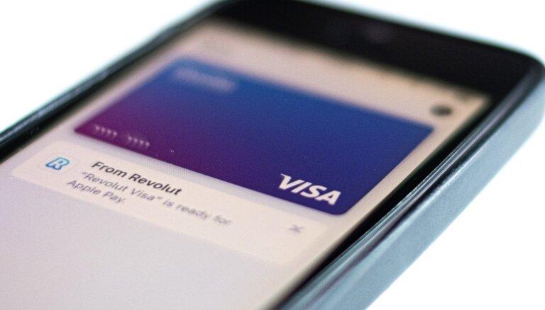 'Apple Pay' ienāk Latvijā; sākotnēji pieejams daļai 'Visa' karšu īpašnieku
