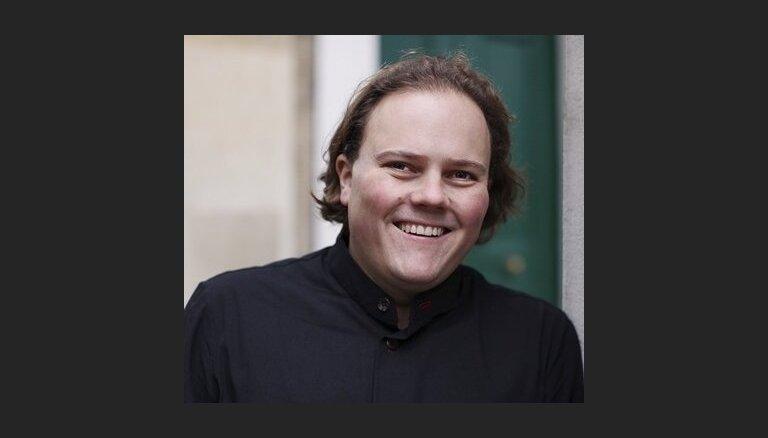 'Sinfonietta Rīga' uzstāsies kopā ar britu diriģentu Džonatanu Bermanu