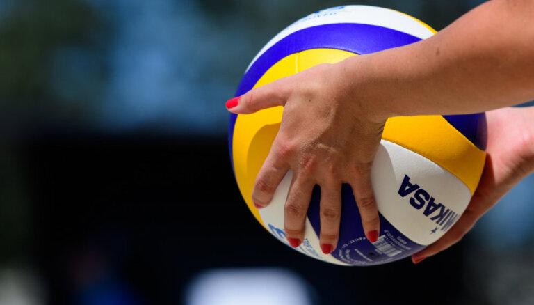 Latvijas pludmales volejbolistes Grosberga/Briede ar uzvaru iesākušas Eiropas U-18 čempionātu