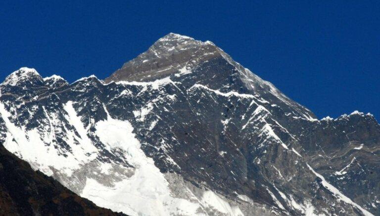 Известный альпинист погиб на Эвересте