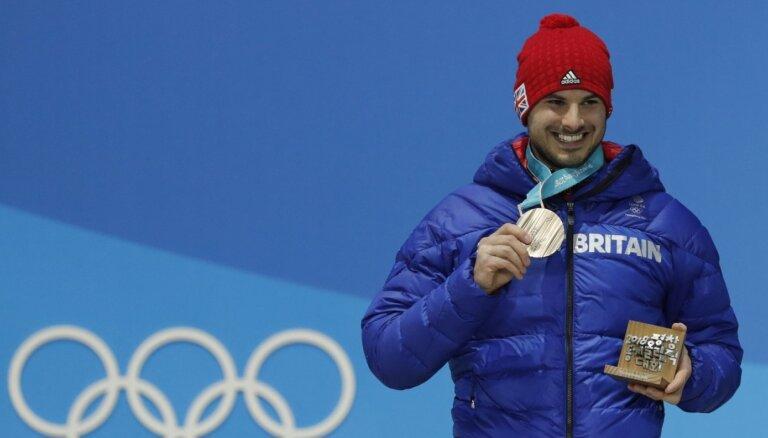 Olimpiskās bronzas ieguvējs skeletonā Pārsons liek punktu sportista karjerai