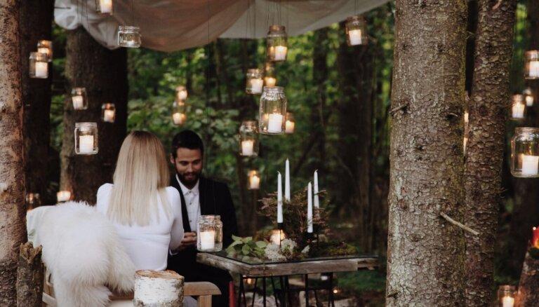 Pieredzes stāsts: romantisks un negaidīts bildinājums mežā