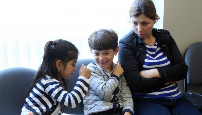 Savulaik no 'Daesh' bēguši Irākas kurdi tiesājas par palikšanu Latvijā