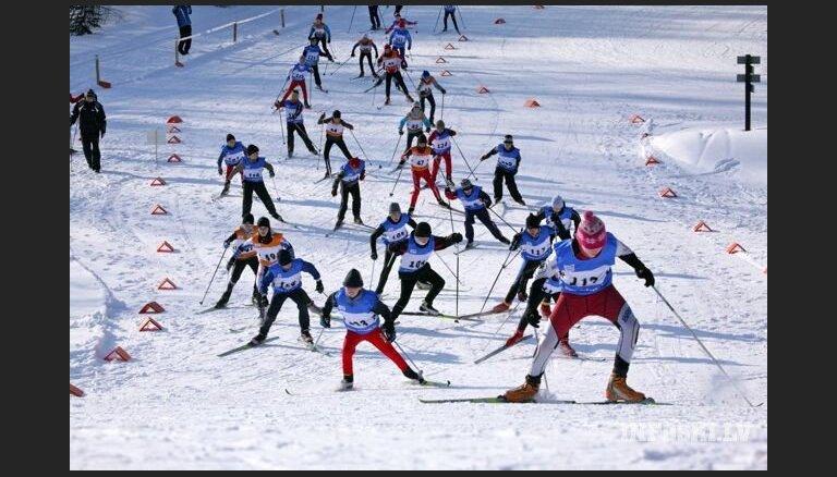FIS atstāj spēkā Krievijas distanču slēpotāju diskvalifikācijas