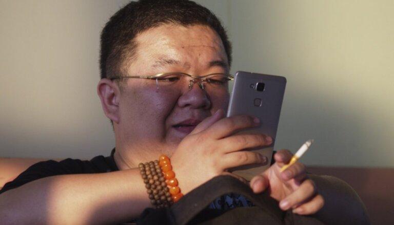Tabakas 'epidēmija' Ķīnā: no smēķēšanas mirs katrs trešais kungs, brīdina pētnieki