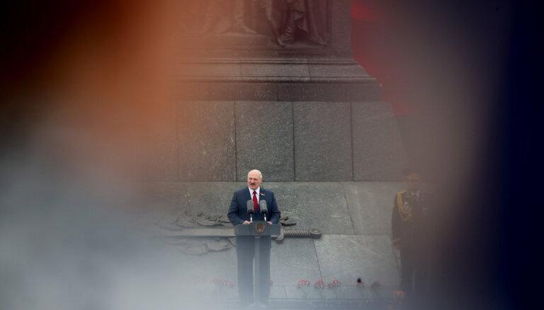 Atis Klimovičs: Nav atbildes, kā palīdzēt baltkrieviem