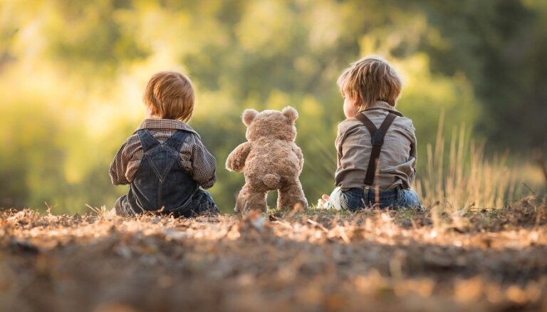 Atsāk nodarbību ciklu par bērna emocionālo audzināšanu