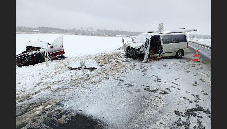 Под Каунасом в ДТП с фургоном разбились литовская спортсменка и гражданка Эстонии