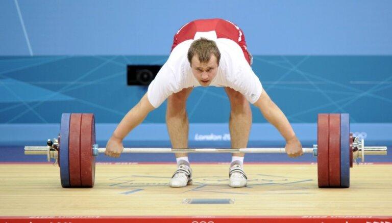 Svarcēlāji Plēsnieks, Suharevs un Koževņikovs sacensībās Irānā labo Latvijas rekordus un izcīna godalgas
