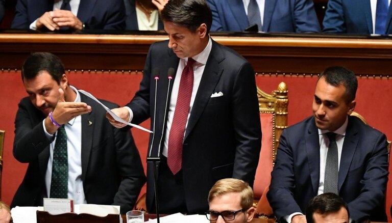 Konte iesniegs demisijas rakstu; krīt Itālijas valdība