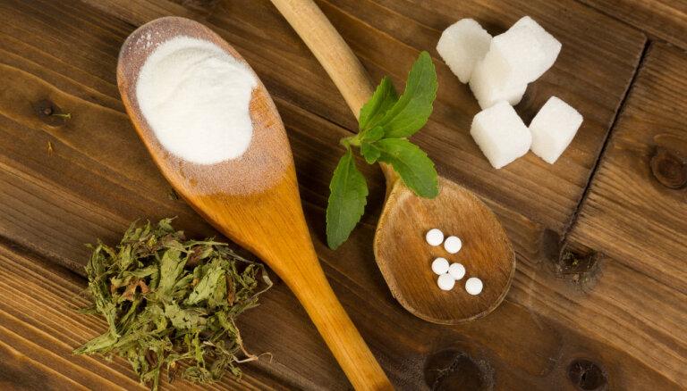 Cukuru vai saldinātāju – ko izvēlēties?