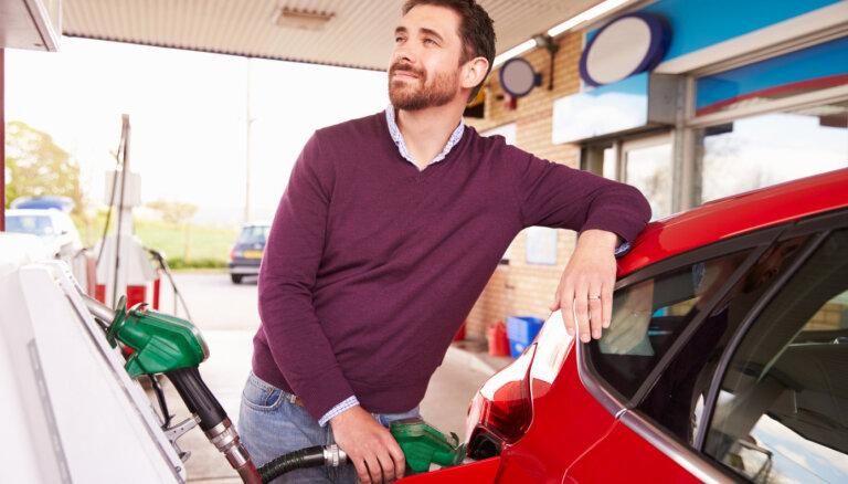 Baltijas valstu galvaspilsētās krītas benzīna cena