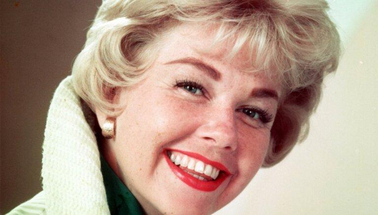 Spoža karjera, bet traģisks mīlas lāsts: dzirkstošās aktrises Dorisas Dejas stāsts