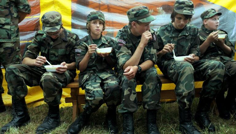 Уроки военной подготовки могут стать в школах одним из обязательных предметов по выбору