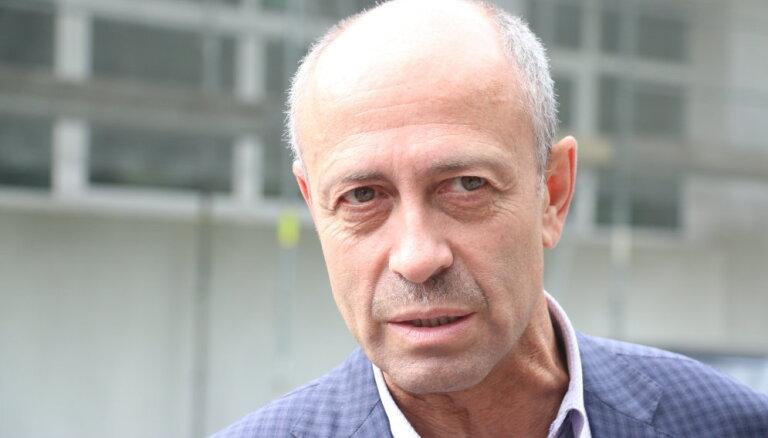 RD vajadzētu uzlabot attiecības ar ministrijām, pauž Burovs