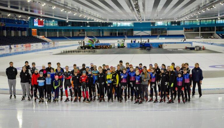 Silova ātrslidošanas treniņnometnē Nīderlandē laboti Latvijas jauniešu rekordi
