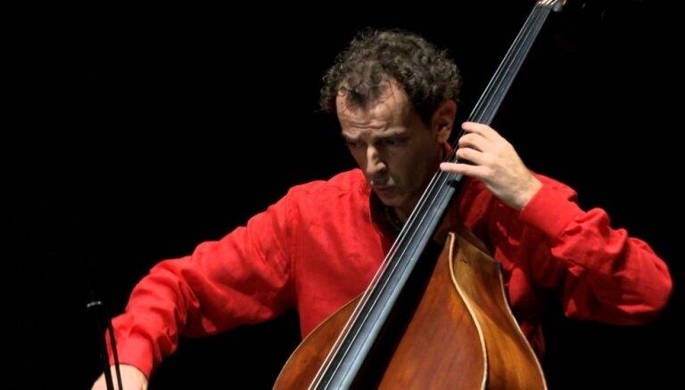 Festivālā 'Ad Lucem' - kontrabasa virtuozs Daniēle Rokato ar kontrabasu oktetu 'Ludus Gravis'