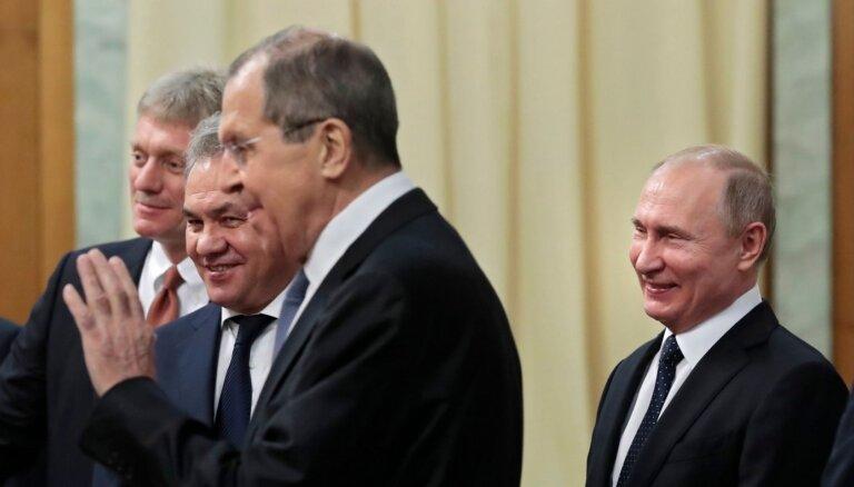 Kremlis izvērtēs ASV priekšlikumu par Putina un Baidena samitu