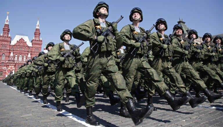 ES nosoda okupētās Krimas jauniešu iesaukšanu Krievijas armijā