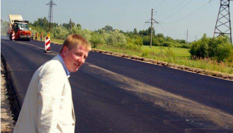Фоторепортаж: Матисс полюбовался на латвийские дороги