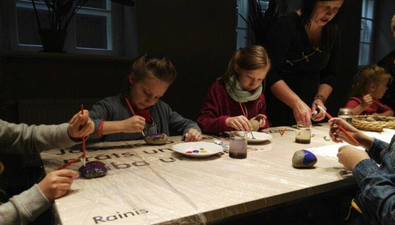 Dailes teātrī notiks radošā Raiņa un Aspazijas dzejas darbnīca bērniem