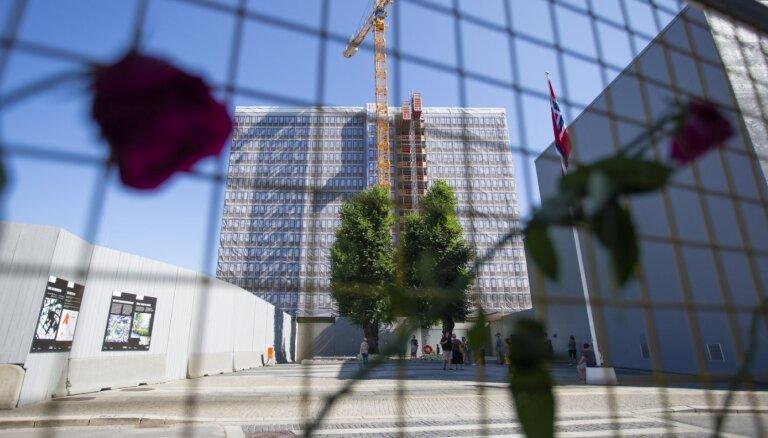 Norvēģijas premjere Breivīka slaktiņa desmitajā gadadienā mudina iestāties pret naidu