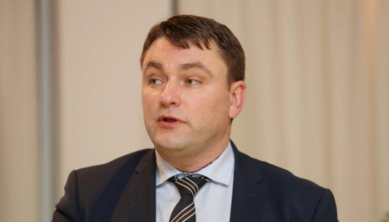 Valanti apstiprina EM valsts sekretāra amatā