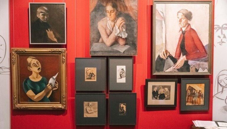 Foto: Atklāta izstāde 'Latviešu mākslinieki Penzas mākslas skolā'