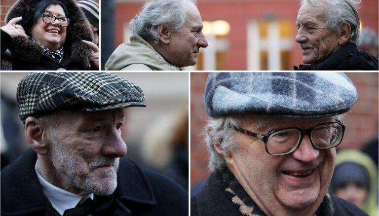Foto: Saeimā tiekas barikāžu laiku atspoguļojušie žurnālisti