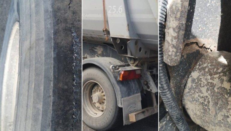 Foto: Policija Liepājā atņem numurzīmes bīstamam kravas automobilim