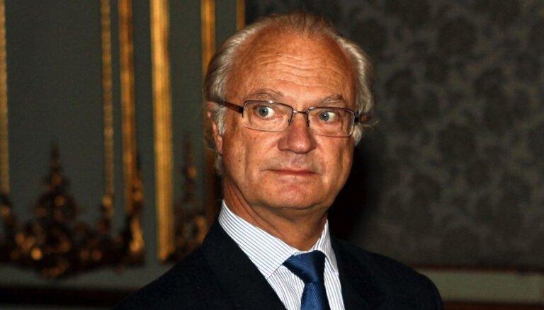 Skandālu dēļ kritusies Zviedrijas karaļa popularitāte