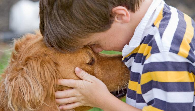 Septiņi zinātniski pierādīti iemesli, kā suns uzlabo cilvēka veselību