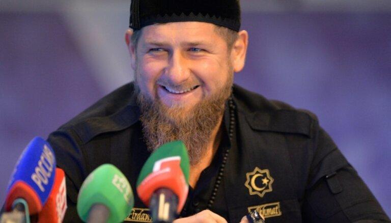 Kadirovs rosina padarīt Putinu par prezidentu uz mūžu